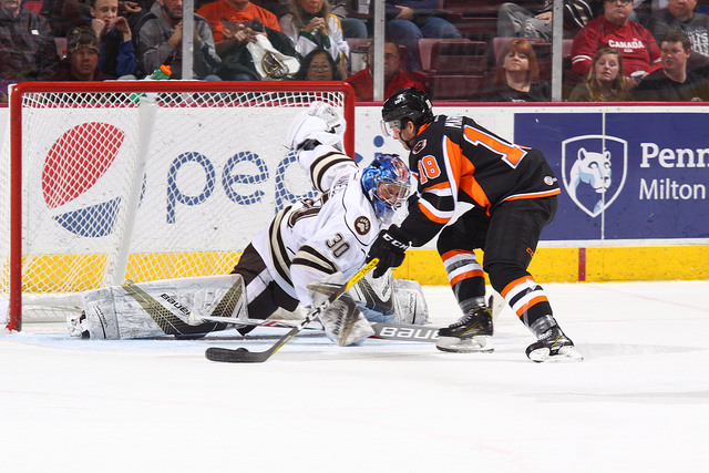 Bears Strike Back to Split Series With 4-2 Decision